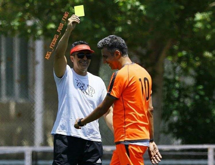 کارت زرد مسعود مرادی به عادل فردوسی پور در بازی تیم رسانه ورزش