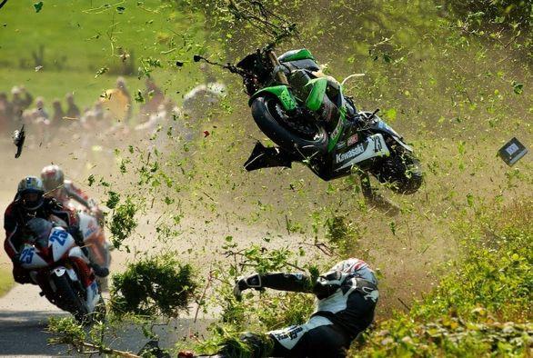 رقابت های موتورسواری TT قربانی گرفت