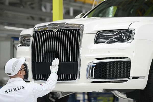 آغاز تولید خودروی روسی آروس توسط پوتین