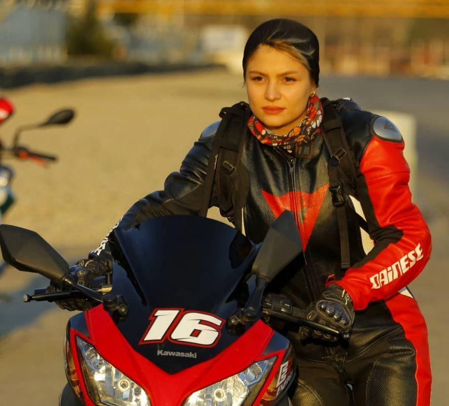 موتورسواری بانوان ایرانی و محدودیتهایی که نباید باشند