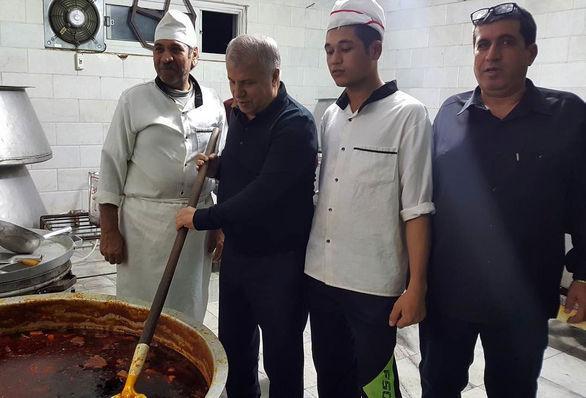 حضور 3 نسل از پرسپولیس در مراسم عزاداری سالار شهیدان (عکس)