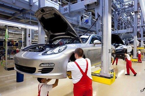 اخراج 80 هزار کارگر از خودروسازان بزرگ