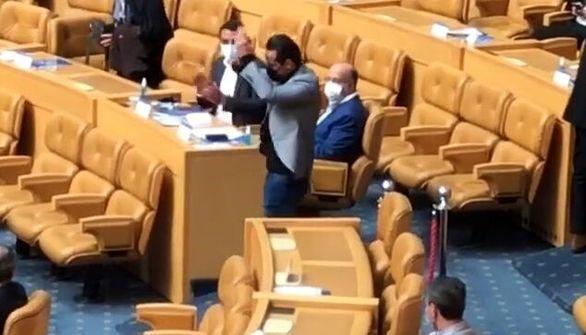 تماس بزرگان پرسپولیس با علی کریمی پس از اعلام نتیجه انتخابات