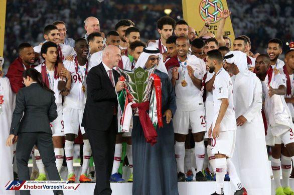 امیر قطر بازیکنان تیم ملی این کشور را از مال دنیا بی نیاز کرد!