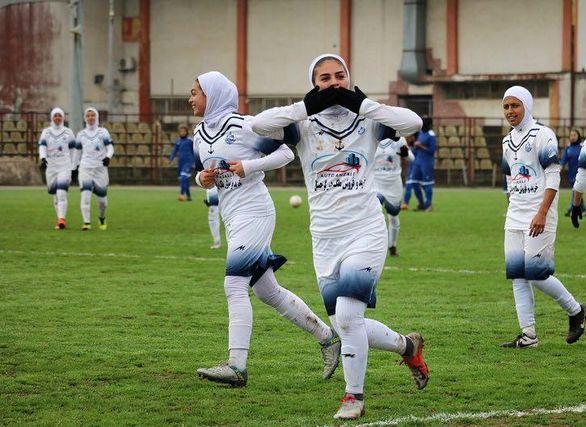 اولین زن و شوهر فوتبالیست ایرانی در اروپا (عکس)