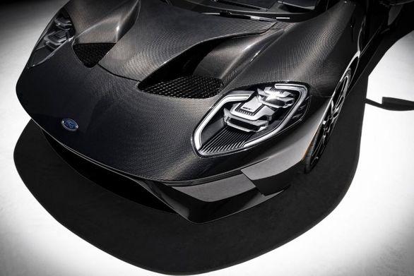 معرفی فورد GT با بدنه تمام فیبر کربنی