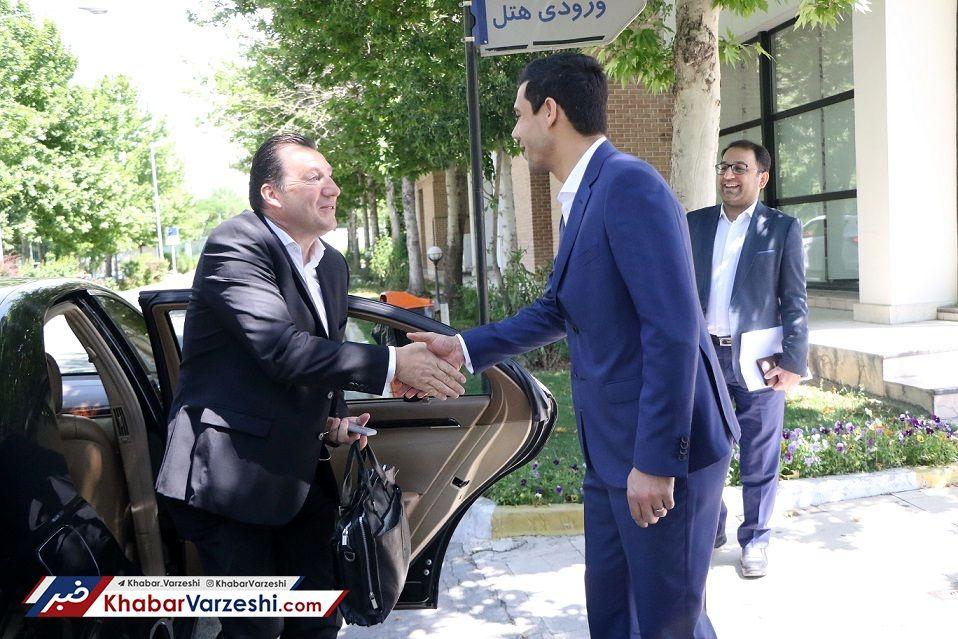 هزینههای استقبال از ویلموتس در تهران؛ حدود ۳۰ میلیون ناقابل!