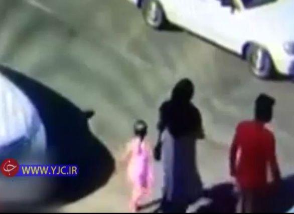 صحنه تصادف خودرو با کودکی خردسال در تبریز + فیلم