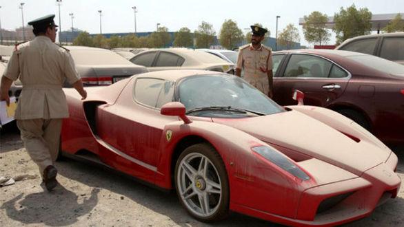 ماجرای رها کردن خودروهای لوکس در دبی