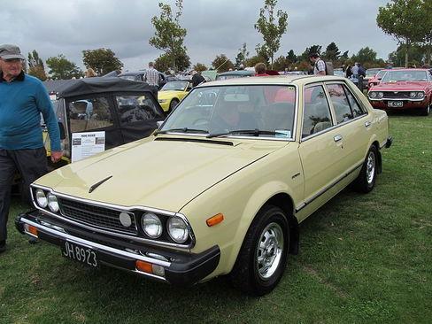 نسل اول 1976 تا 1982