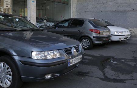 برخی دوست ندارند روند نزولی قیمت خودرو ادامه داشته باشد