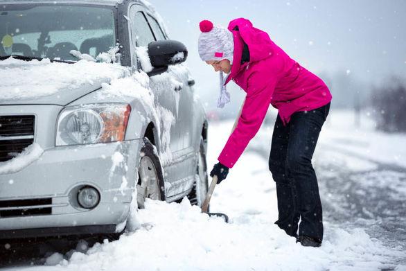 ۷ ترفند طلایی برای نگهداری از خودرو در فصل سرما (اینفوگرافی)