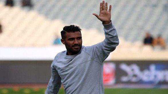 ستارۀ بدشانس استقلالی از دنیای فوتبال خداحافظی کرد (عکس)