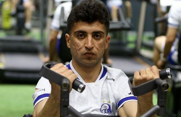 چشمک مدافع بوشهری به مجیدی