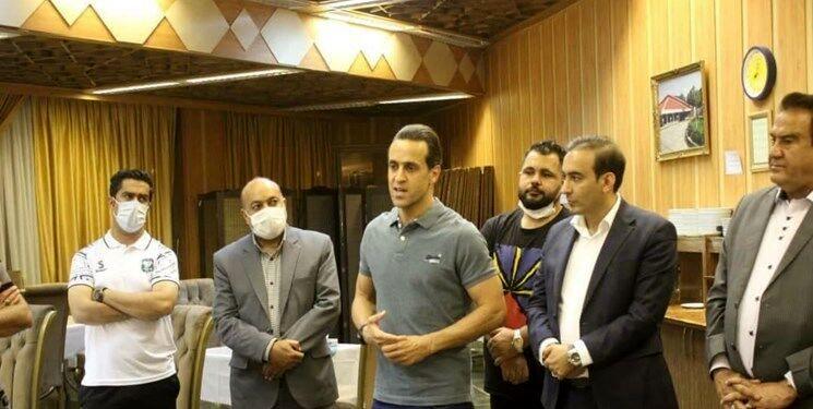 عکس   بازگشت علی کریمی به فوتبال در لیگ دسته یک