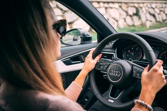 نظرسنجی درباره خودرو به عنوان خانه دوم