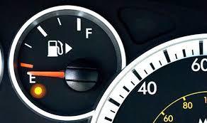 بعد از روشن شدن چراغ بنزین چند کیلومتر می توان حرکت کرد؟ (جدول)