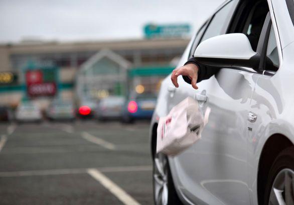 جریمه بیرون انداختن ماسک از پنجره خودرو مشخص شد