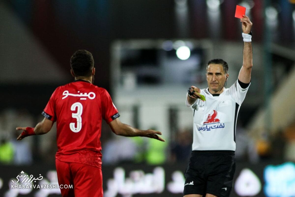 کارت قرمز فرشاد فرجی - محمدرضا اکبریان (داور) - درگیری بازیکنان؛ پرسپولیس - استقلال (دربی تهران)
