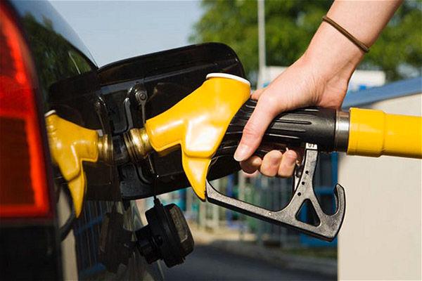 چرا نباید باک بنزین را پر کرد؟