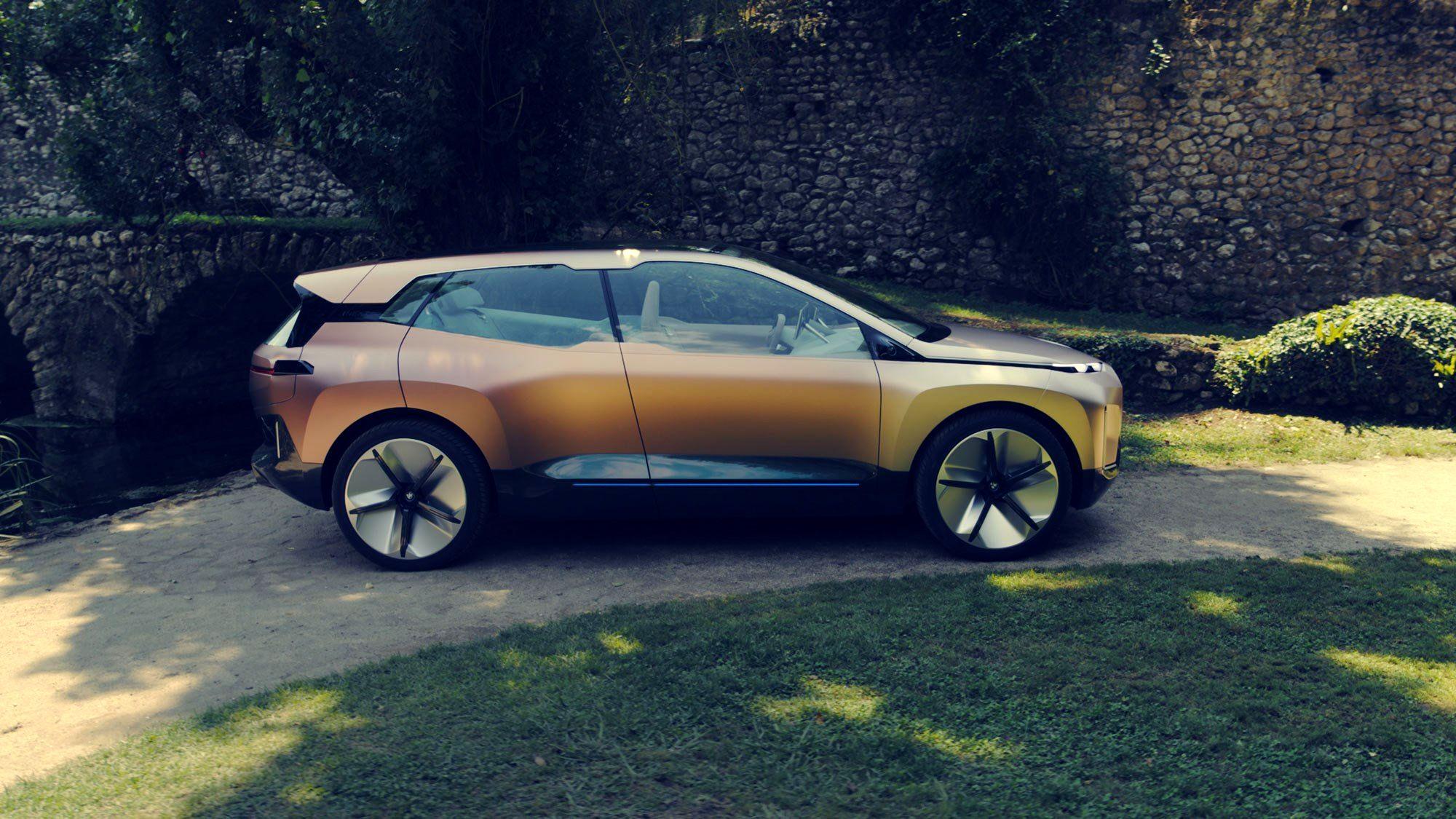 زمان رونمایی از خودروی الکتریکی بیامو iNext اعلام شد