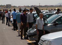 انتقاد تند و تیز مجری صدا و سیما از سکوت در برابر گرانی خودرو