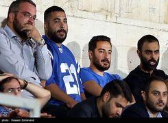 واکنش فوتبالی نوید محمدزاده به انتقادات