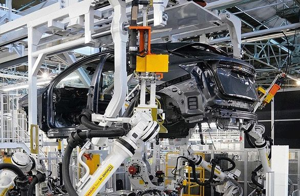 ربات های هوشمند در خط تولید نیسان